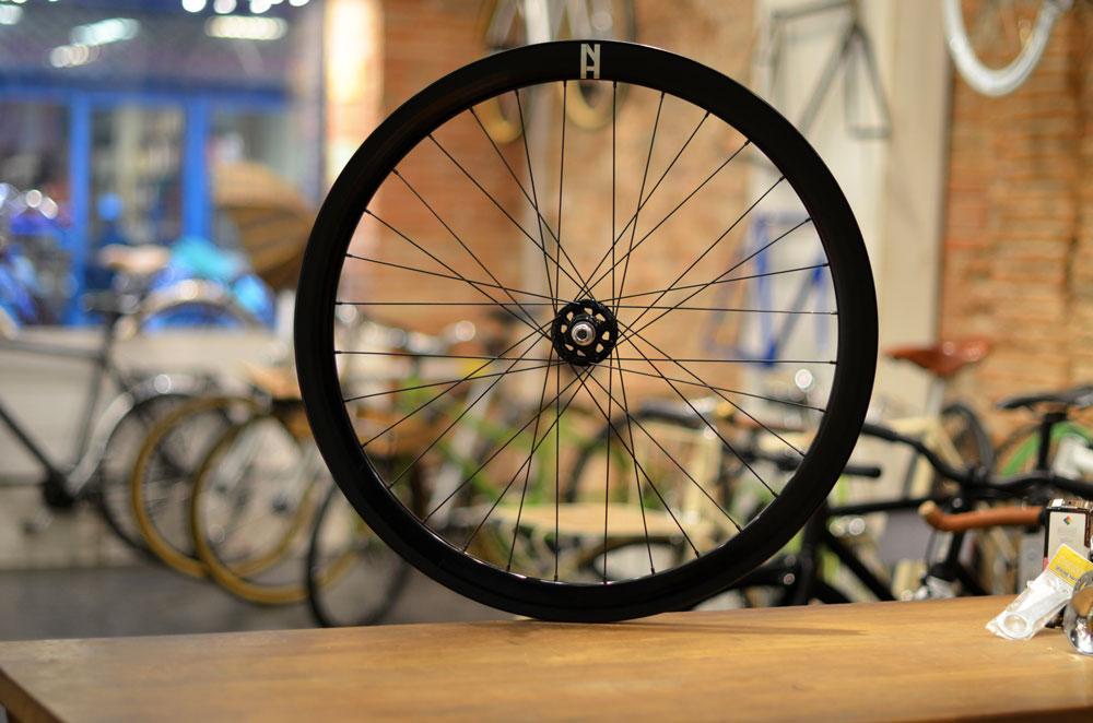 roue-h+son-eero-fixie