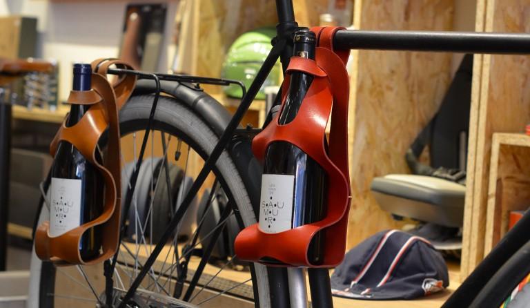 La bouclée, porte bouteille de vin pour vélo :