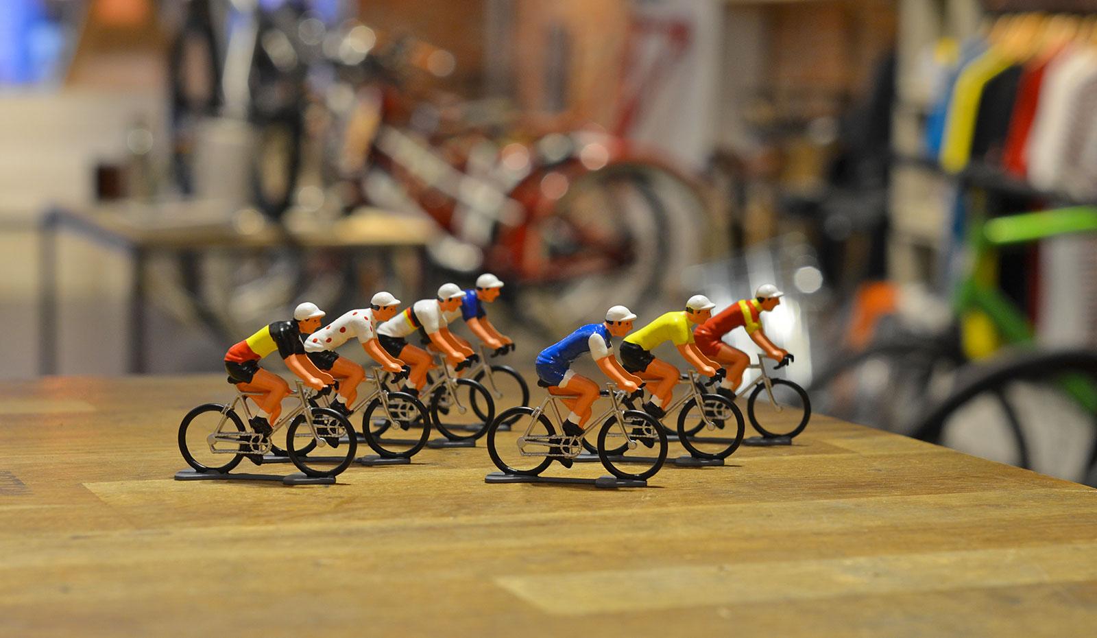 figurine-velo-miniature-plomb-zamac-cycliste
