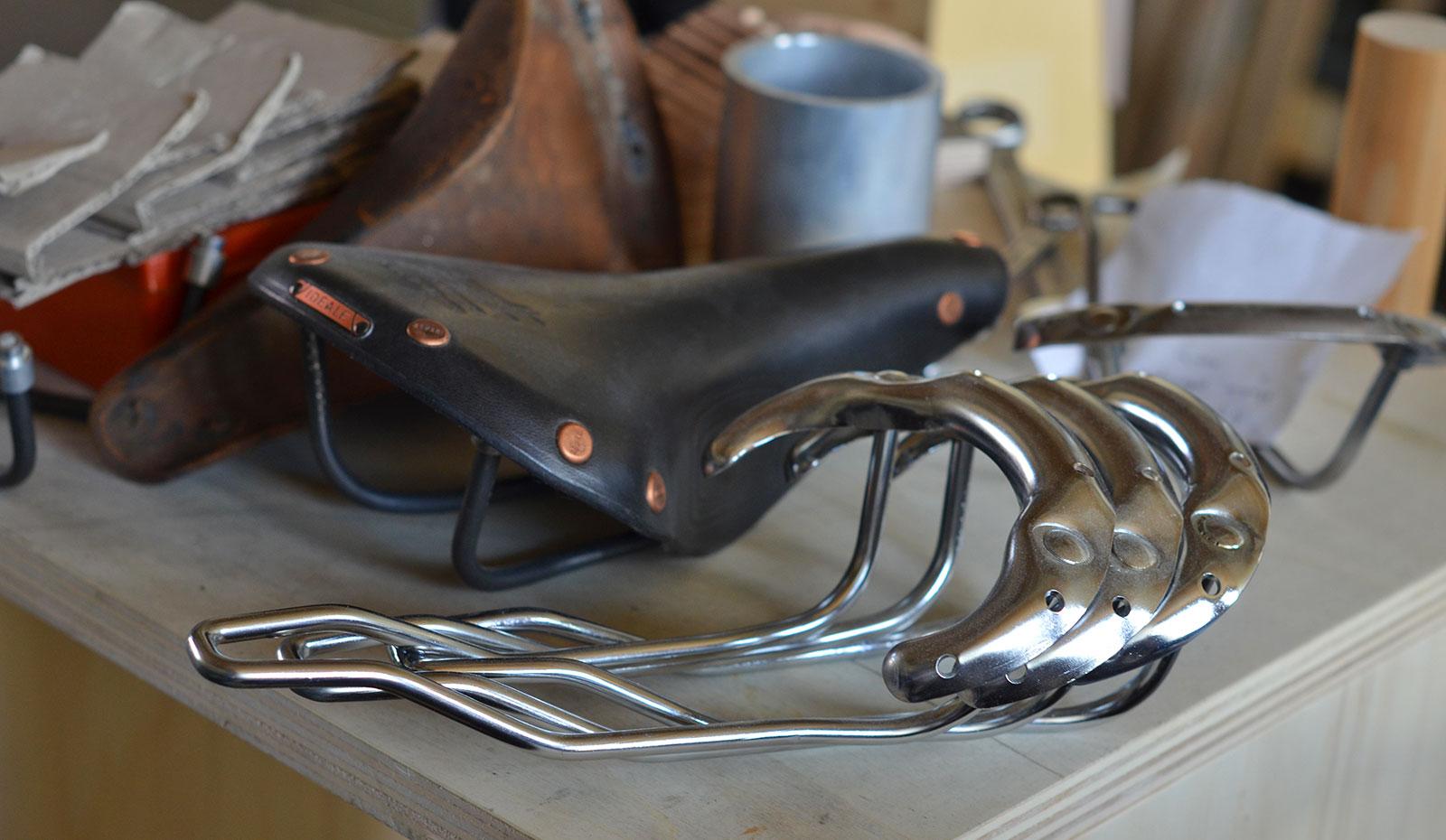 Saddle Ideale