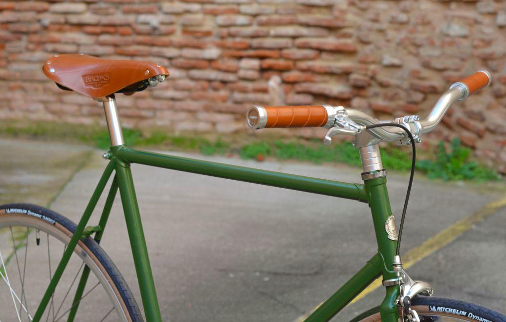 Paulette Velo Vert 1 1024x652